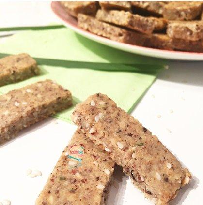 Biscuits apéritifs au sésame et herbes de Provence (avec version vegan)