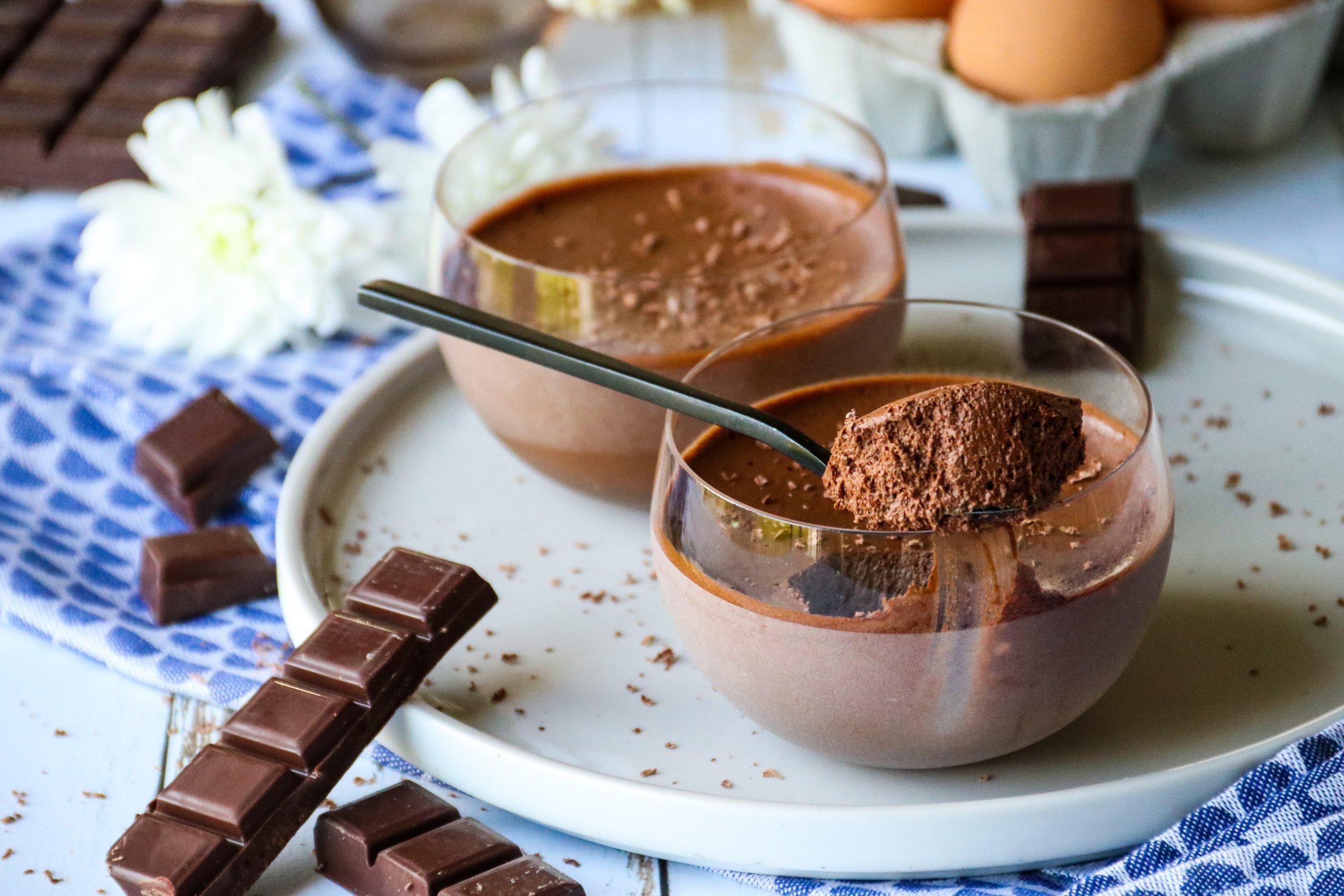 Mousse au chocolat sans sucre ajouté ni beurre