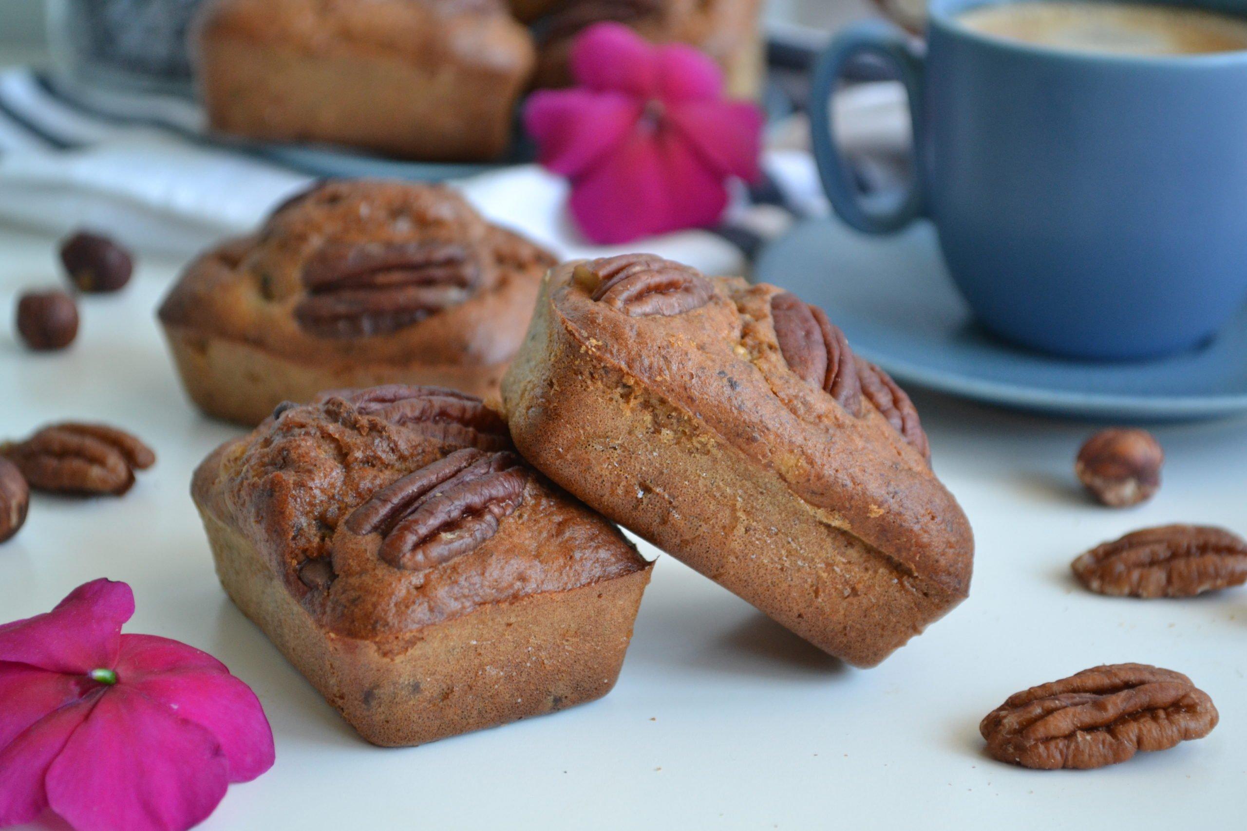 Mini cakes aux noisettes et poires