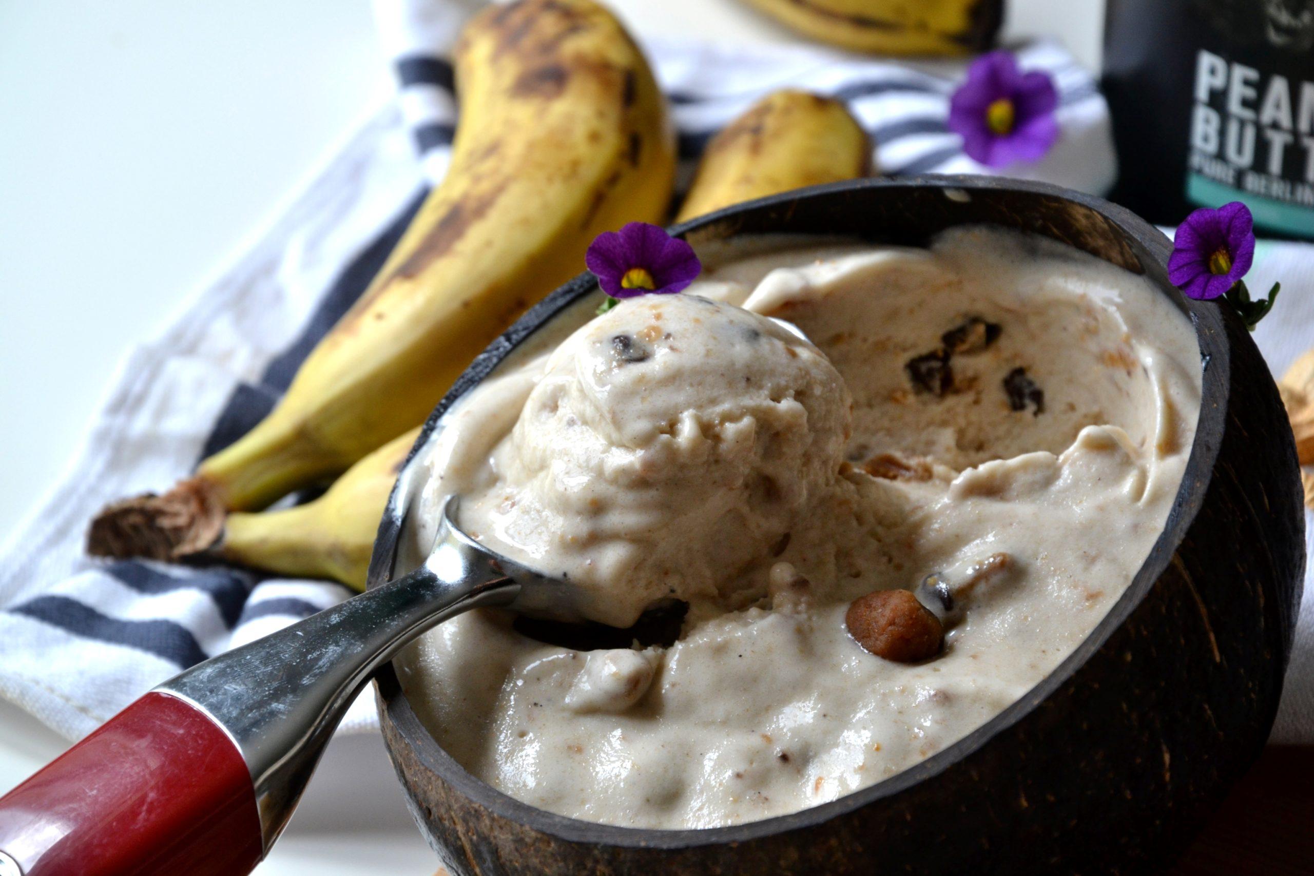 Healthy nice cream peanut butter & cookie dough