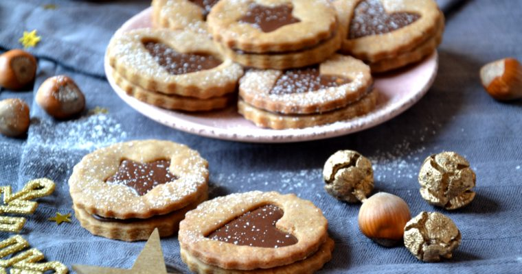 Biscuits de Noël fourrés chocolat noisettes