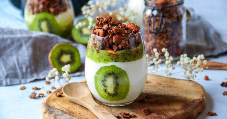 Verrines healthy au kiwi de France et son granola au chocolat