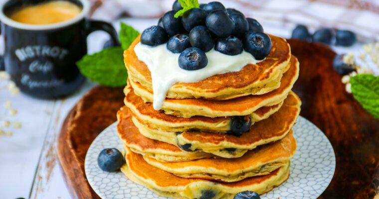 Pancakes banane et myrtilles