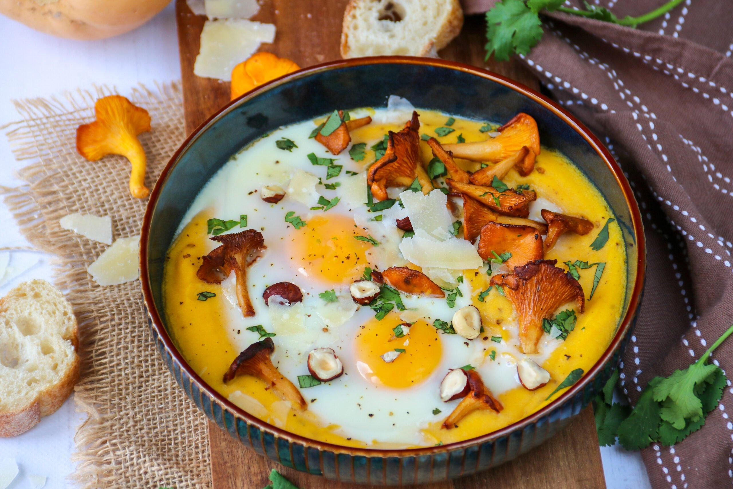 Oeufs au four faciles aux girolles, butternut et parmesan